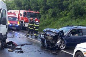 foto:-accident-grav-intre-cinci-masini,-pe-e60,-in-mures!