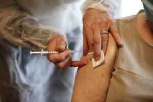 covasna:-actiune-de-vaccinare-impotriva-covid-19-cu-prilejul-concursului-international-de-atelaje-de-la-olteni
