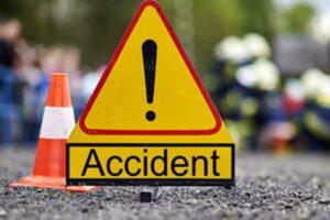 accident-pe-dn13-e60,-in-vanatori!-doua-autoturisme-si-un-autotren-au-colizionat