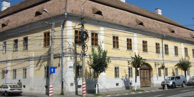 """acoperis-nou-pentru-biblioteca-""""teleki-bolyai""""-din-targu-mures"""