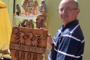 sculpturile-cu-personaje-istorice,-intens-cautate-la-festivalul-sighisoara-medievala