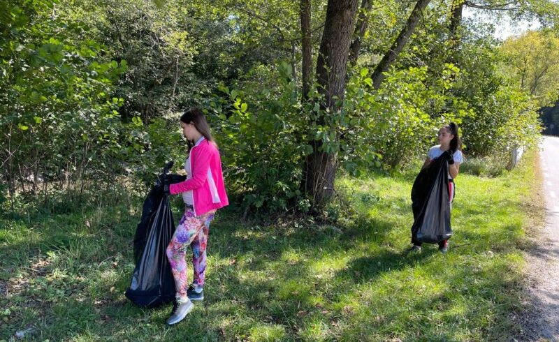 ziua-muntelui-in-romania,-marcata-de-voluntarii-din-ibanesti-printr-o-actiune-de-ecologizare