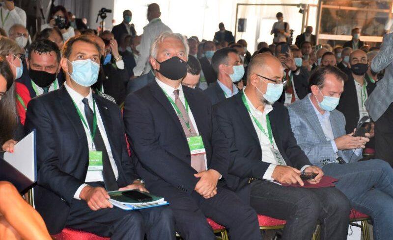 foto:-impreuna-pentru-udmr,-la-al-xv-lea-congres