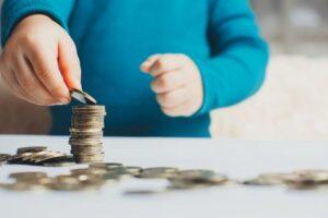 familiile-cu-cel-putin-un-copil-din-ungaria-vor-primi-inapoi-de-la-stat-impozitul-pe-venit,-in-medie-900-de-euro