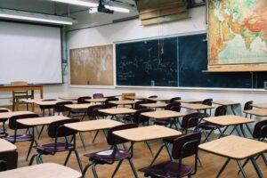 covid-19-aproape-70.000-de-elevi-invata-online,-dupa-zece-zile-de-la-inceperea-scolilor