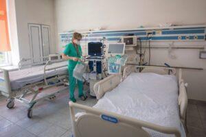 12-paturi-la-ati-mai-sunt-libere-pentru-pacientii-bolnavi-de-covid-19