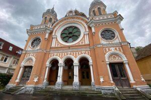 una-dintre-cele-mai-mari-si-mai-frumoase-sinagogi-din-transilvania-se-afla-la-targu-mures
