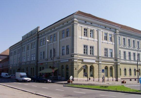 28-de-clase-de-la-colegiul-'szekely-miko'-din-sfantu-gheorghe,-in-invatamant-online