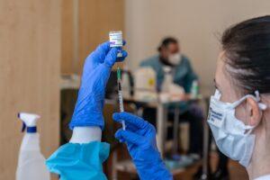 recomandarea-agentiei-europene-a-medicamentelor-referitor-la-administrarea-unei-a-treia-doze-de-vaccin-anti-covid
