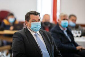 prefectul-judetului-covasna:-nu-inteleg-de-ce-medicii-care-fac-propaganda-anti-vaccin-sunt-tolerati-in-sistemul-de-stat