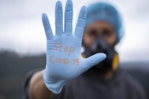 bilant-coronavirus-27-octombrie-noi-cifre-alarmante:-aproape-15.000-de-noi-infectari,-peste-500-de-decese